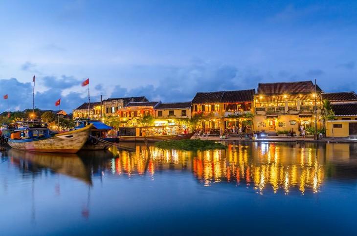 7สิ่งที่นักท่องเที่ยวควรทำเมื่อมีโอกาสมาเยือนเมืองเก่าฮอยอานของเวียดนาม - ảnh 1
