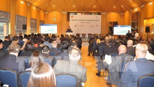 การประชุมเกี่ยวกับการส่งเสริมการลงทุนในเวียดนาม ณ ประเทศอังกฤษ - ảnh 1