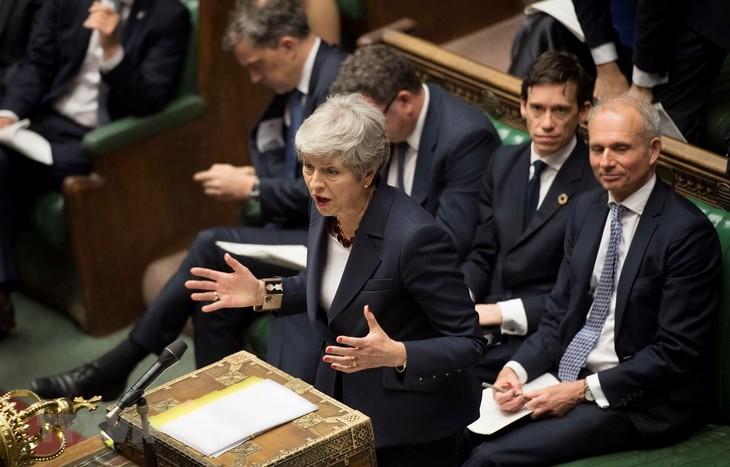นายกรัฐมนตรีอังกฤษแสดงความผิดหวังเนื่องจากรัฐมนตรีบางท่านไม่เข้าร่วมการลงคะแนนที่สำคัญ - ảnh 1