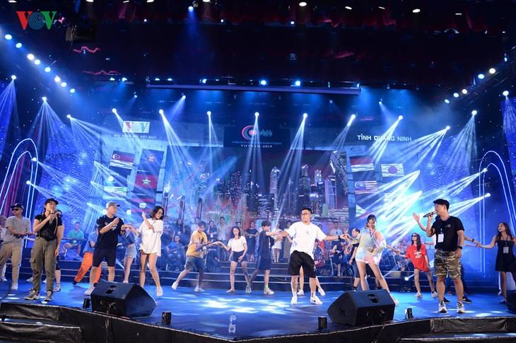 """Trước giờ G đêm chung kết cuộc thi """"Tiếng hát ASEAN+3"""" năm 2019 - ảnh 2"""