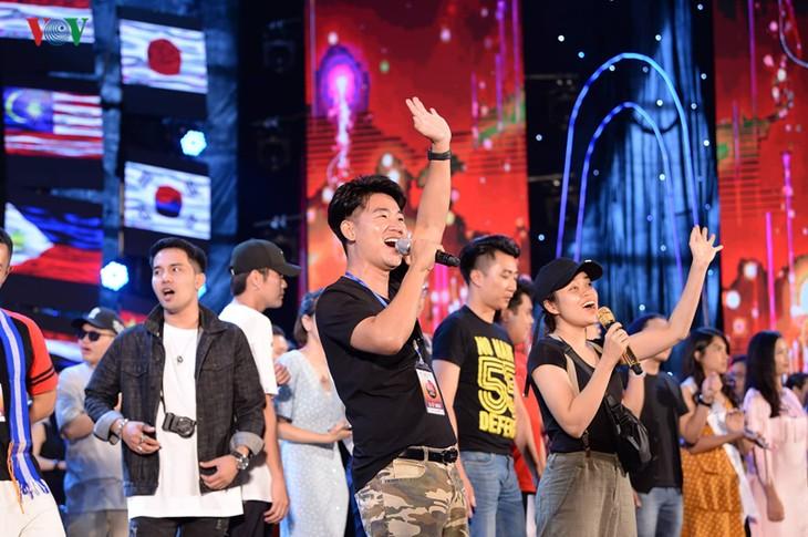 """Trước giờ G đêm chung kết cuộc thi """"Tiếng hát ASEAN+3"""" năm 2019 - ảnh 4"""