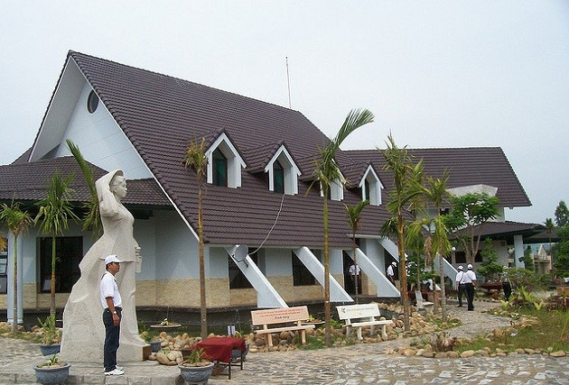 Visiting historical relics in Quang Ngai - ảnh 2