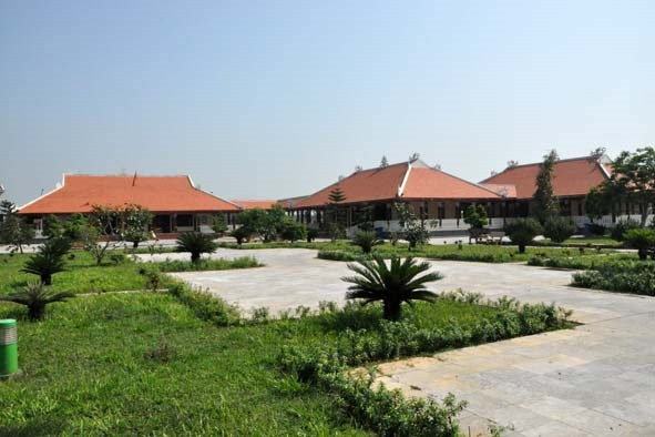 Visiting historical relics in Quang Ngai - ảnh 1