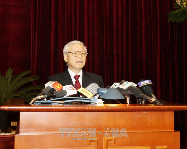 Party Central Committee debates major national issues - ảnh 2