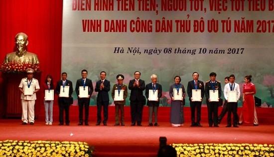 Hanoi honors outstanding residents - ảnh 1