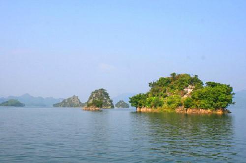 Thung Nai – miniature of Ha Long Bay in northwest - ảnh 2