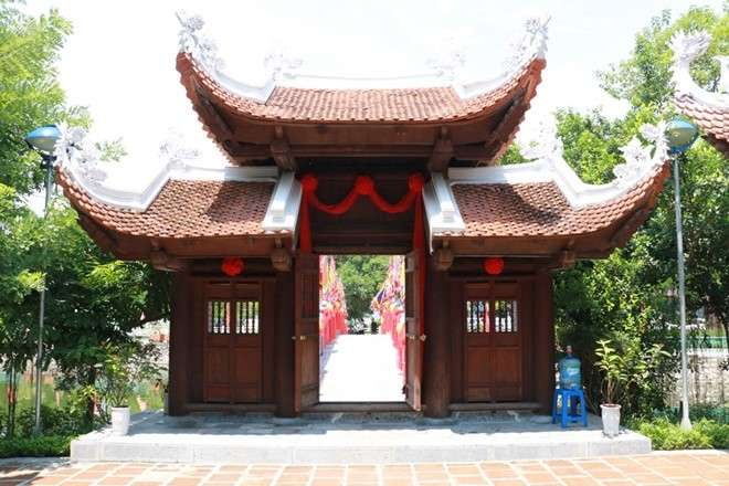 Cau Nhi temple worships little dog - ảnh 3
