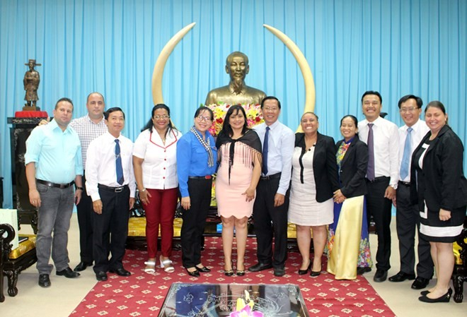 Cuban youth union delegation visits Ben Tre - ảnh 1