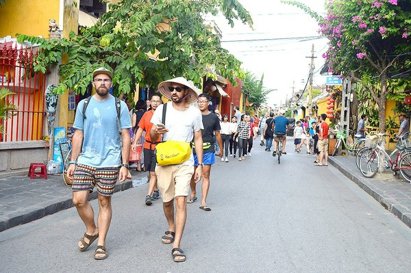 Vietnam welcomes 6.7 million foreign tourists in first 5 months - ảnh 1