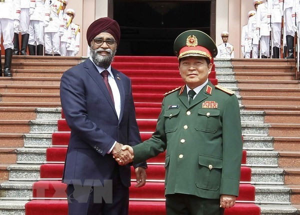 Vietnam, Canada to intensify defence cooperation - ảnh 1