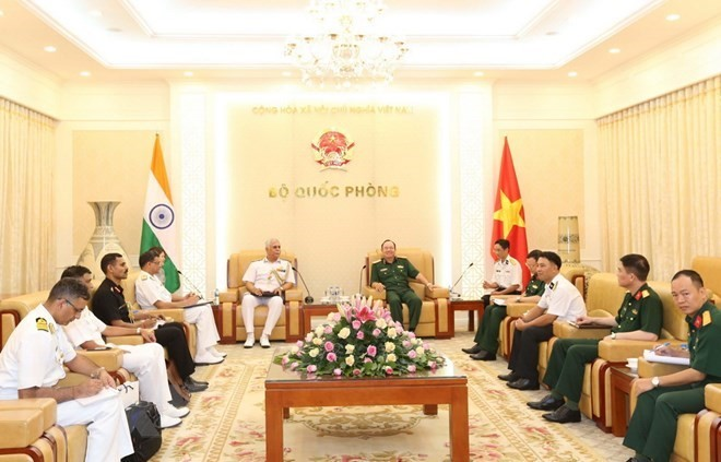 Vietnamese, Indian naval forces asked to foster cooperation in shipbuilding - ảnh 1