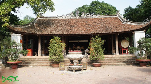 Và temple dedicated to Saint Tan Vien  - ảnh 1