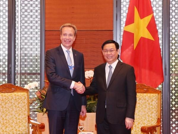 WEF President: Vietnam's economy to grow 7% - ảnh 1