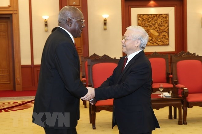 Party leader welcomes Cuban First Vice President in Hanoi - ảnh 1