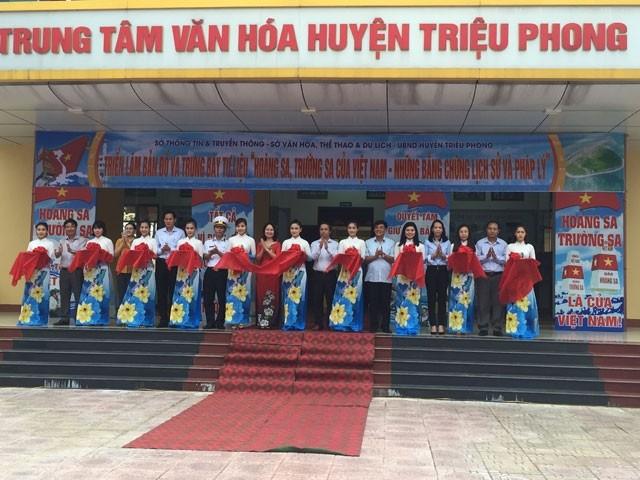 Hoang Sa, Truong Sa exhibition opens in Quang Tri - ảnh 1