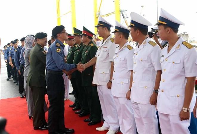 Bruneian naval ship pays three-day visit to Da Nang - ảnh 1