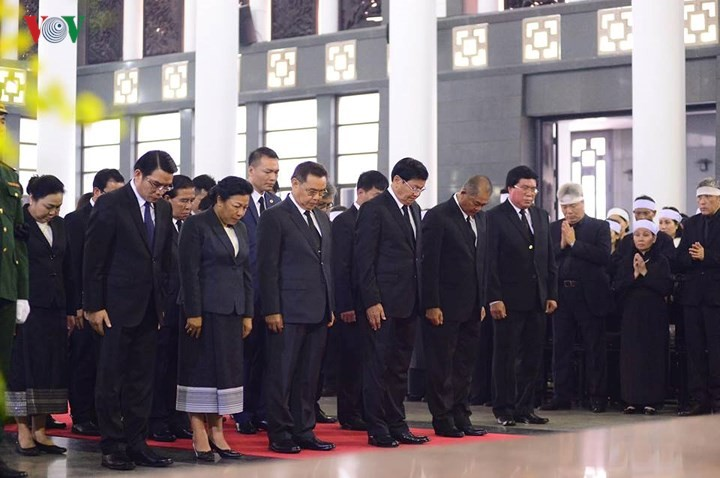 Foreign delegations pay tribute to former Party leader Do Muoi - ảnh 1