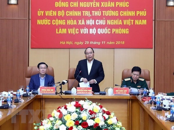 PM affirms attention to building modern regular army - ảnh 1