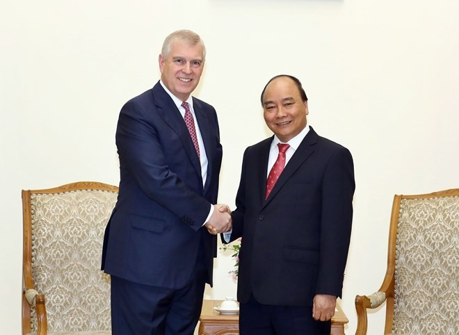 Prime Minister receives British Prince Andrew in Hanoi - ảnh 1