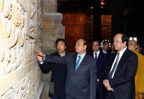 PM inspects preparations for UN Day of Vesak 2019 in Ha Nam - ảnh 1