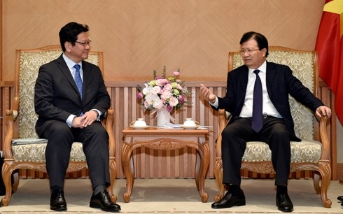 Deputy PM receives JBIC leader - ảnh 1