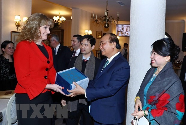 PM urges further cooperation between Vietnamese, Romanian localities - ảnh 1