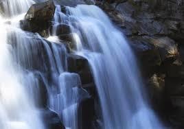Two Vietnam waterfalls among world's most beautiful - ảnh 2