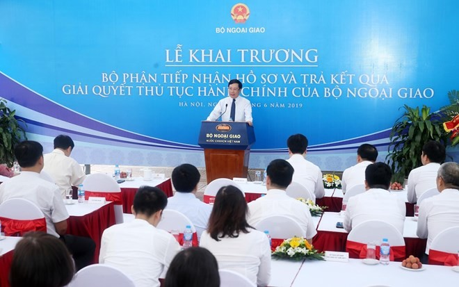 Foreign ministry officially launches one-stop shop services - ảnh 1