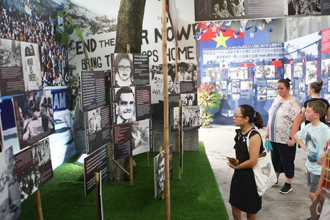 Hanoi exhibition tells stories of peace - ảnh 1