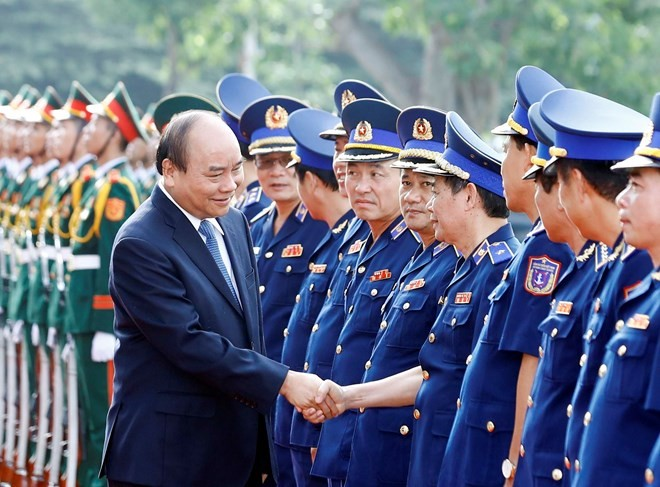 Coast guards bear heavy but glorious responsibility: PM - ảnh 1