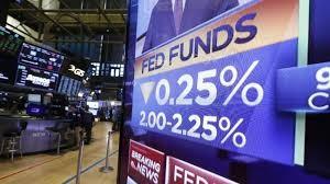 US FED cuts interest rates: a sign of global growth slowdown - ảnh 1