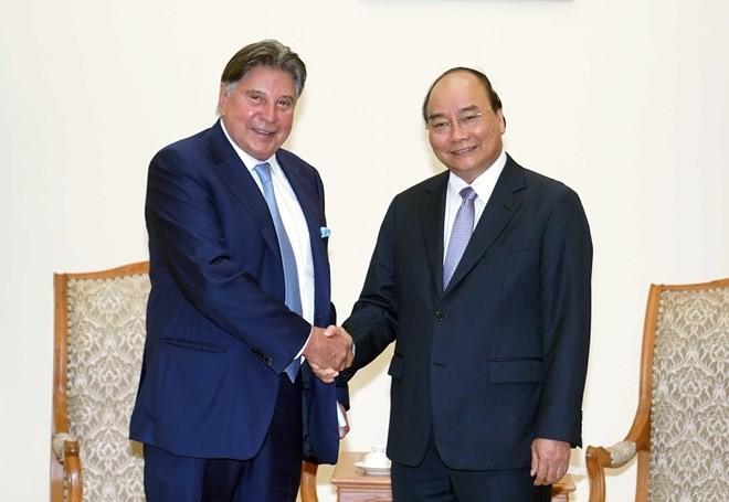 PM Nguyen Xuan Phuc receives Techtronic Industries chairman - ảnh 1