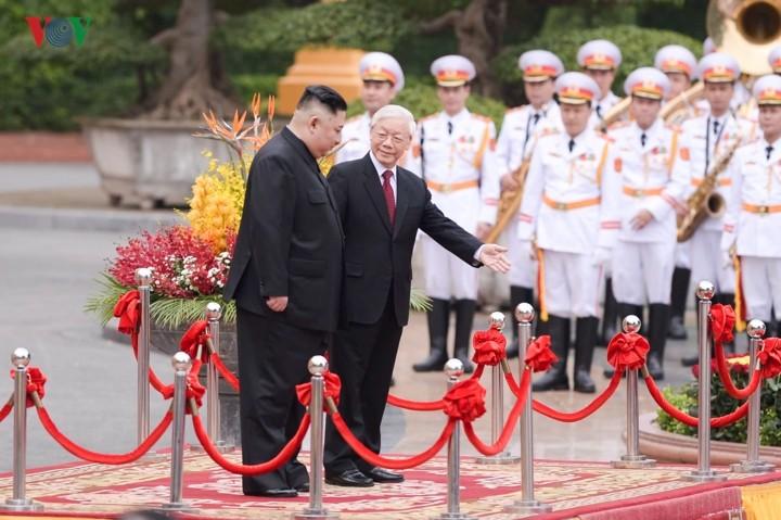 朝鲜领导人金正恩对越南进行正式友好访问 - ảnh 1