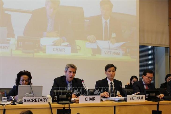 越南分享在保护促进公民权和政治权利中取得的令人鼓舞的成就 - ảnh 1