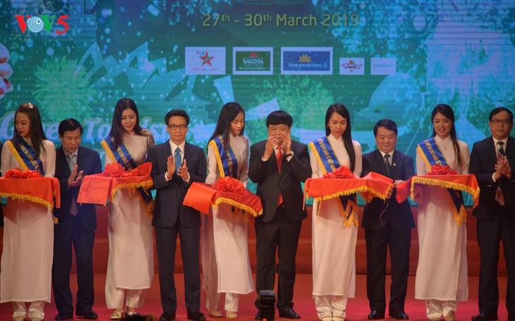 越南国际旅游展开幕 - ảnh 1