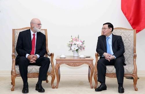 越南政府副总理王庭惠会见世界农业经济领域权威专家 - ảnh 1