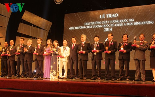 65 businesses honored with national quality awards - ảnh 1