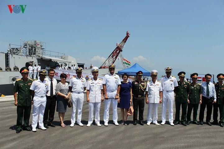Indian naval ships visit Da Nang city  - ảnh 2