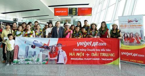 Vietjet Air marks first Hanoi-Taichung flight - ảnh 1