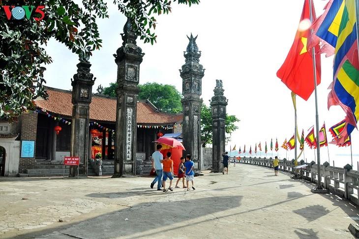 Chem – a unique temple of Thang Long Royal Citadel - ảnh 2