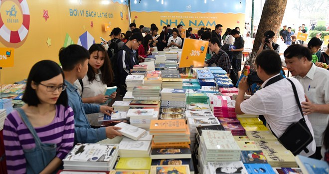 Book festivals nurture reading culture - ảnh 1
