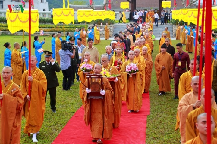 Ceremonies mark 710th anniversary of King-Monk's Nirvana attainment - ảnh 1