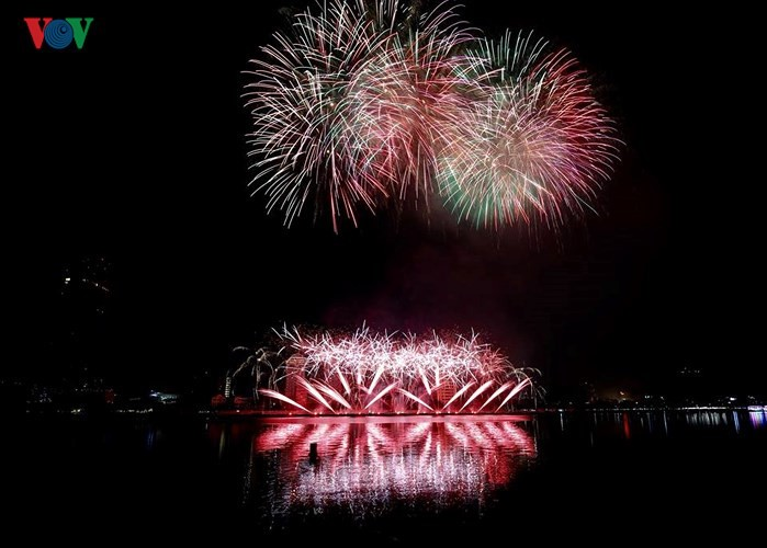Hotels fully booked for 2019 Da Nang fireworks festival - ảnh 1