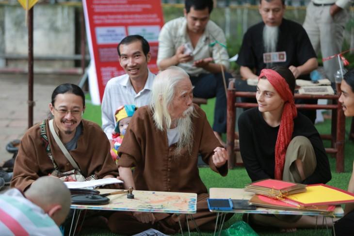 Summer activities for children at Van Lake - Hanoi's Temple of Literature  - ảnh 5