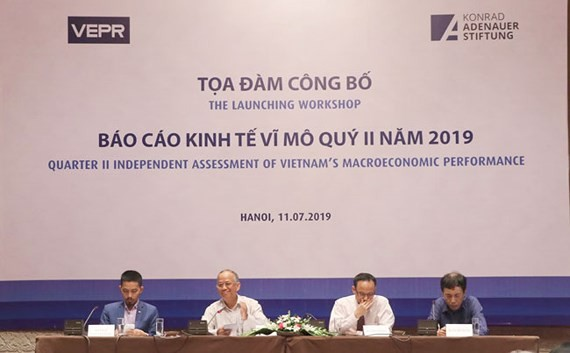 Vietnam's economy grows at 6.76% in first half of 2019 - ảnh 1