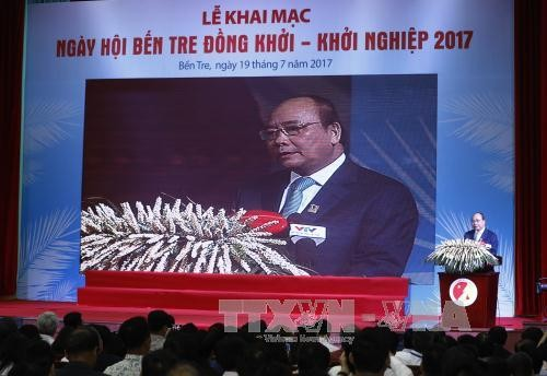 Premier vietnamita reitera el respaldo a los emprendedores jóvenes  - ảnh 1