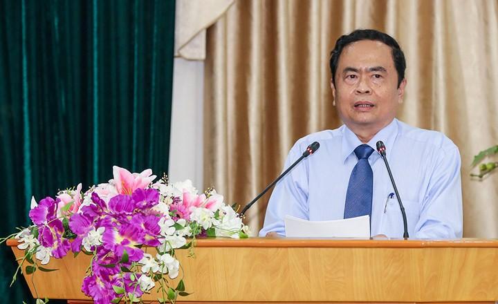 Vietnam alienta a la población a prestar mayor atención a las personas con méritos revolucionarios - ảnh 1