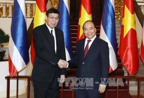 Concluye la visita del máximo dirigente legislador de Tailandia en Vietnam  - ảnh 1