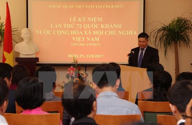 Conmemoran en Alemania y Canadá el 72 aniversario de la Independencia Nacional de Vietnam - ảnh 1