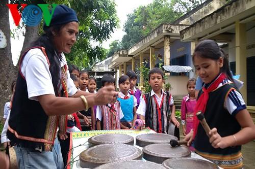 A Biu y su pasión por los gongs y batintines - ảnh 1
